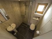 Clunie cabin bathroom