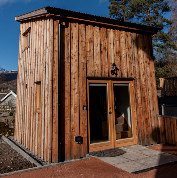 Clunie cabin exterior